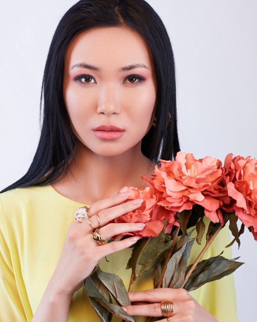 candidatas a miss kazakhstan 2019. final: 2 may.  - Página 2 1GH2Ek
