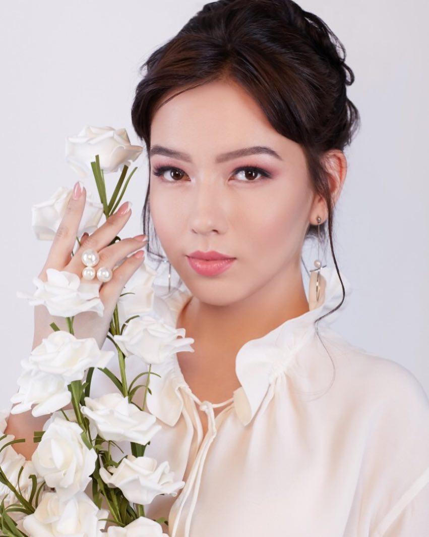 candidatas a miss kazakhstan 2019. final: 2 may.  - Página 2 1GHW7G