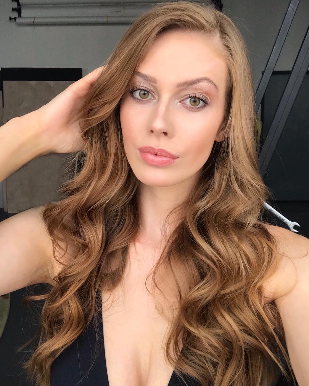 candidatas a miss slovensko 2019. final: 27 de abril. - Página 9 1GMSfR