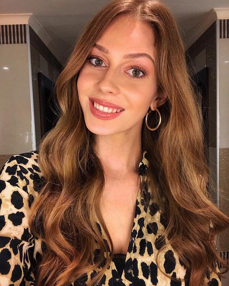 candidatas a miss slovensko 2019. final: 27 de abril. - Página 9 1GMpRr