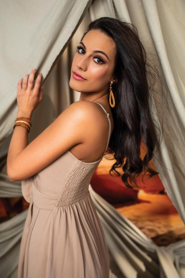 candidatas a miss world hungary 2019. final: 23 june. 1KZCnG