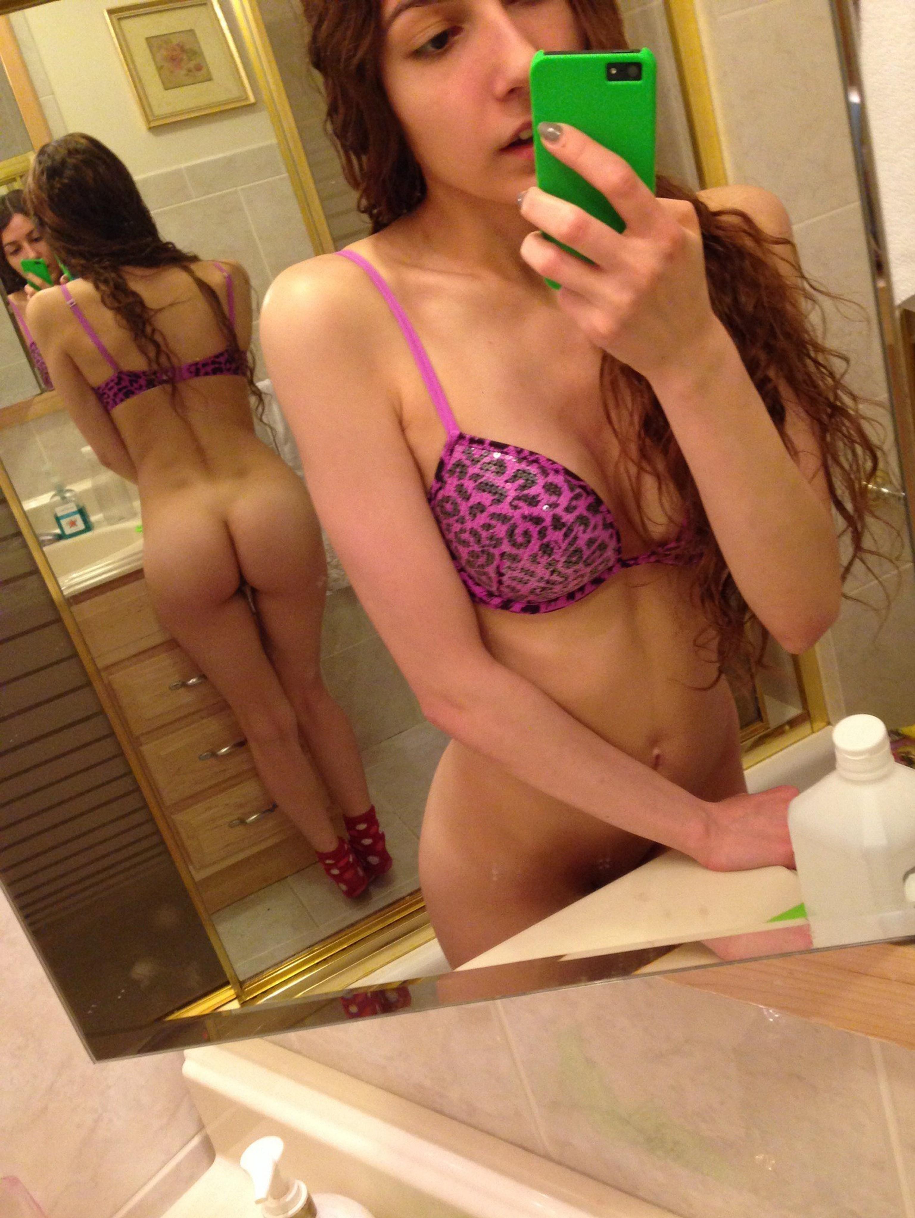 young lesbian naked selfpics