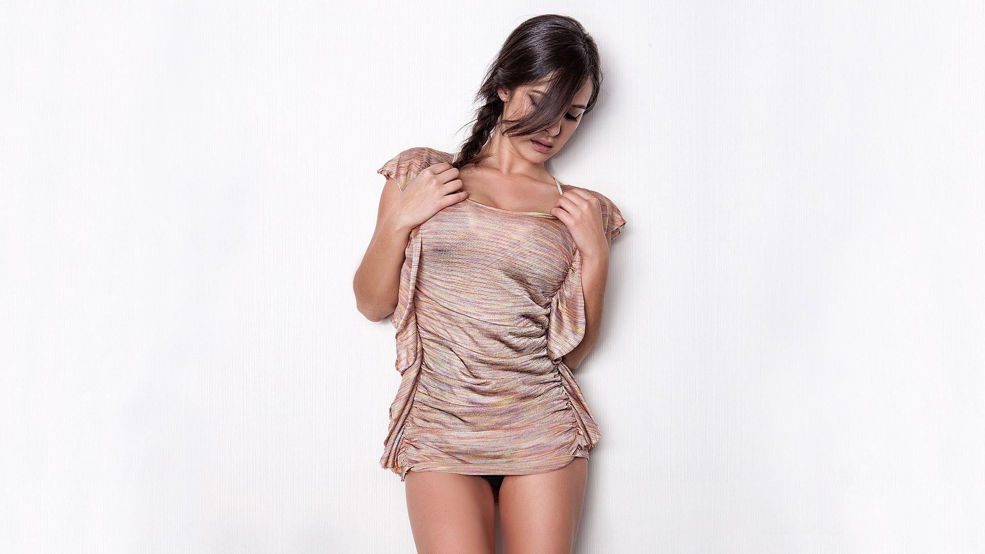 девушка платье взгляд  № 1866922 без смс