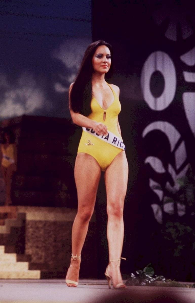 Así lucía Maribel Guardia cuando participó en el Miss Universo con 19 años IAhU3u