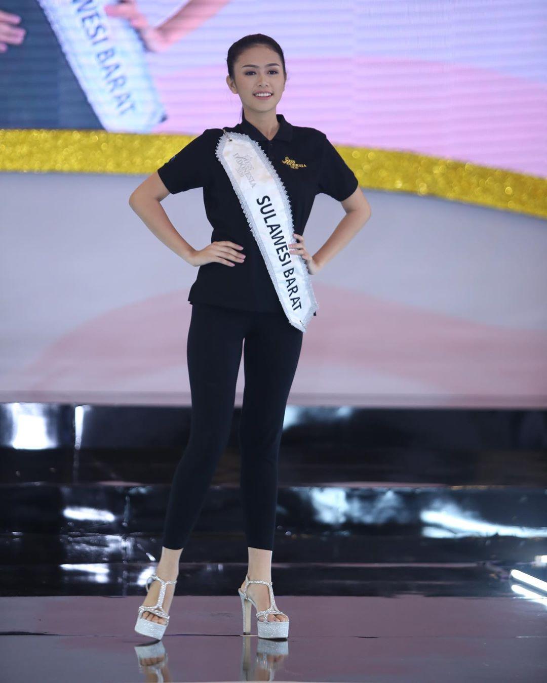 candidatas a miss indonesia 2020. final: 20 feb. - Página 5 IMWBEw