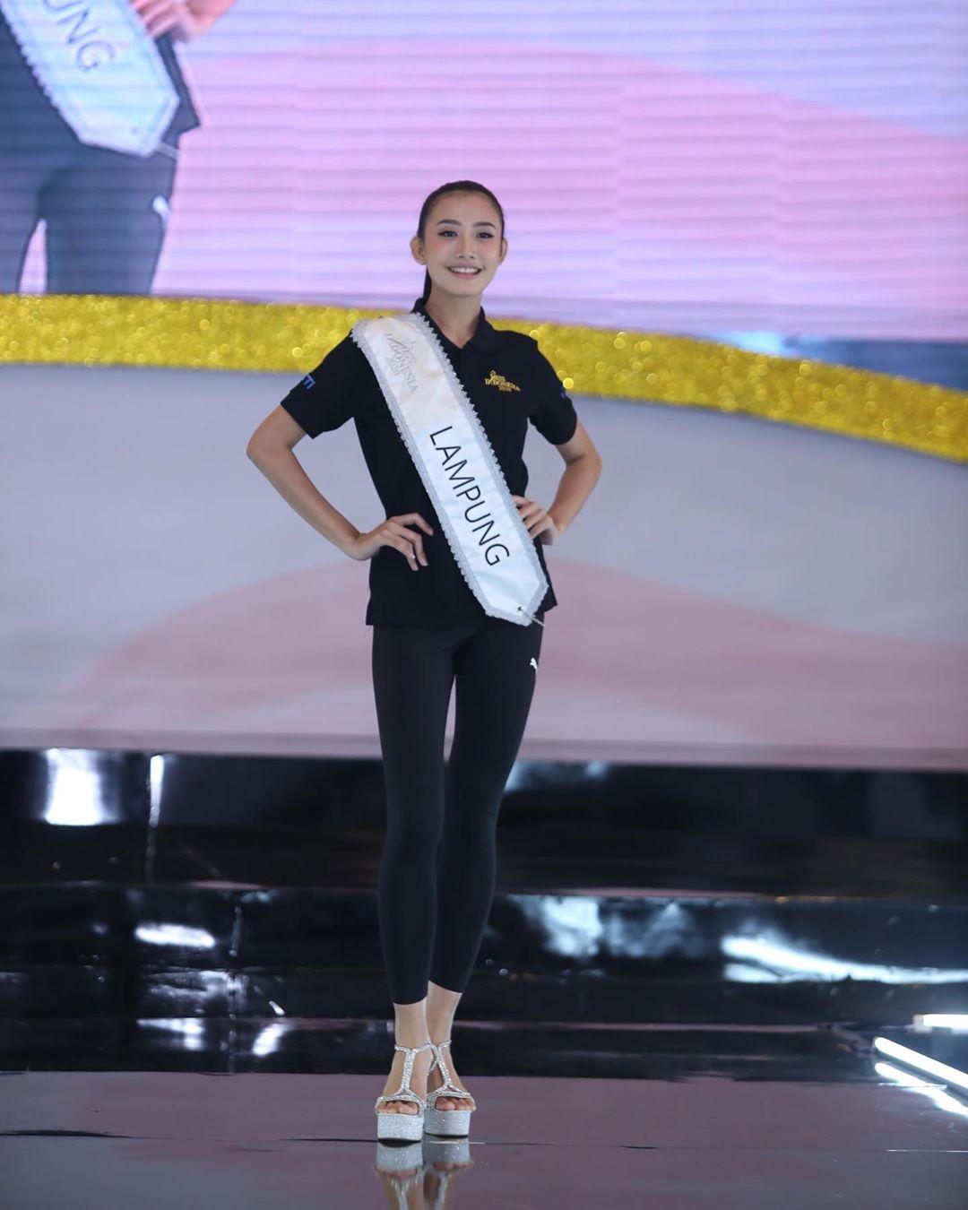 candidatas a miss indonesia 2020. final: 20 feb. - Página 4 IMWHcj