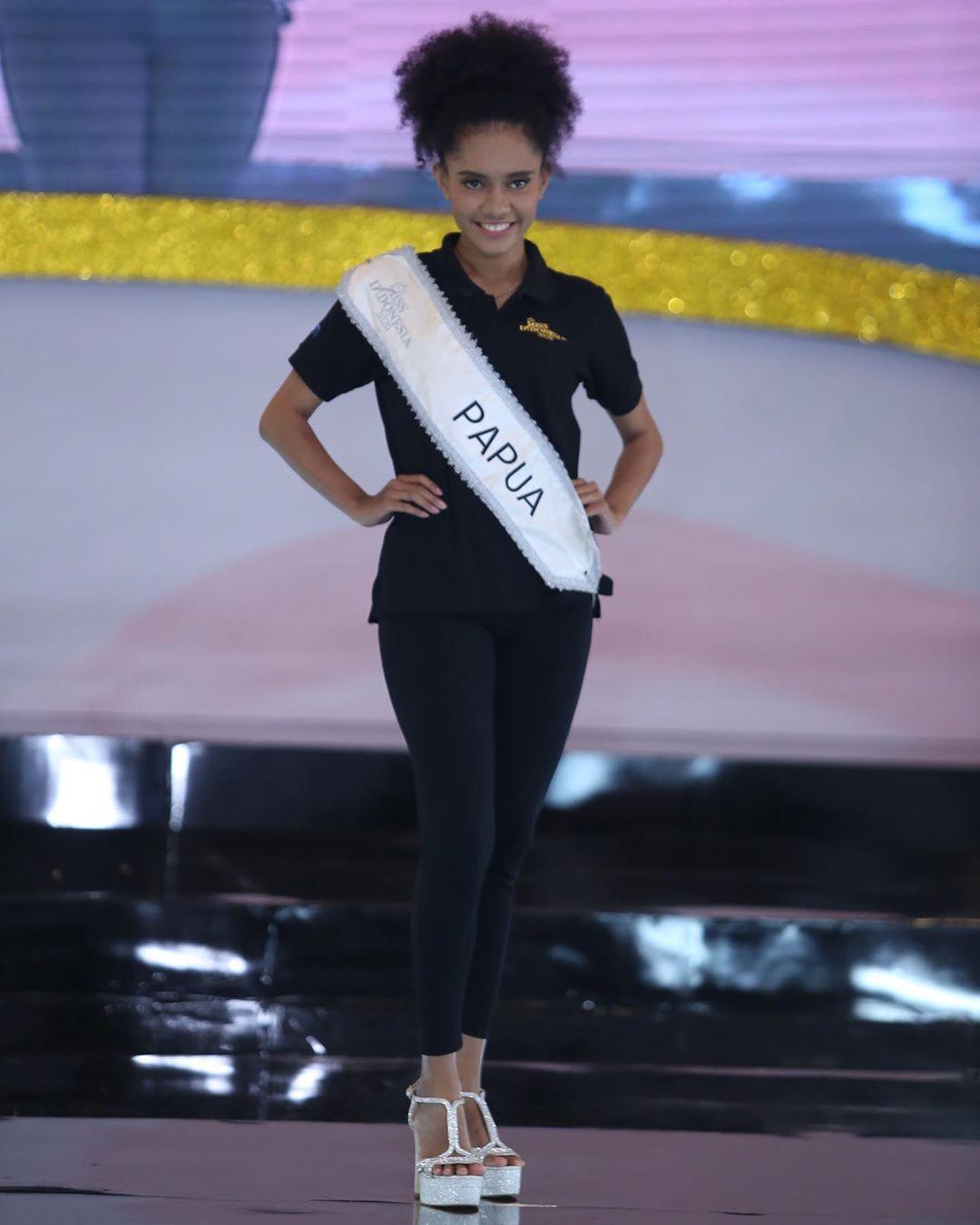 candidatas a miss indonesia 2020. final: 20 feb. - Página 5 IMWOjb