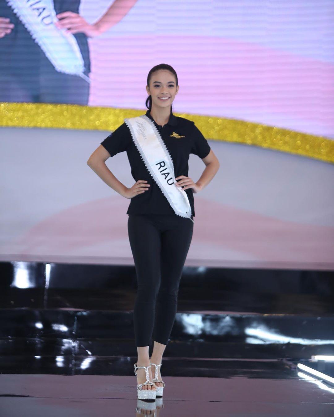 candidatas a miss indonesia 2020. final: 20 feb. - Página 5 IMWWVl