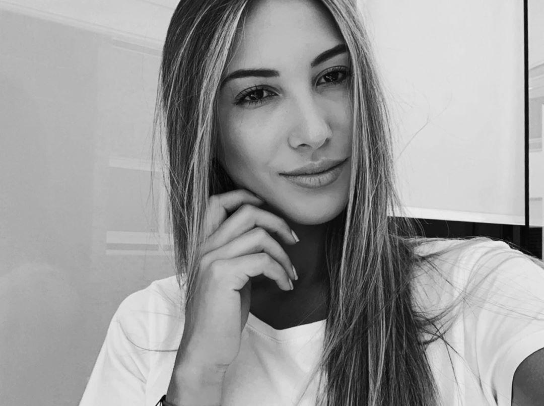 Modelo descalificada del Miss Venezuela se arrepiente de violar el aislamiento Ik9EIo