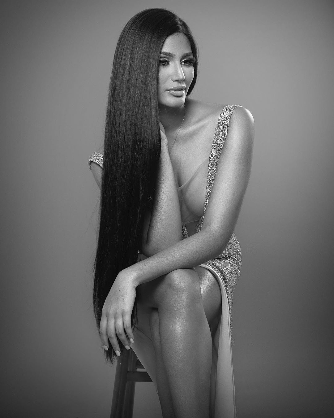 La Miss Venezuela Sthefany Gutiérrez da mercados en crisis del COVID-19 Ik9pMC