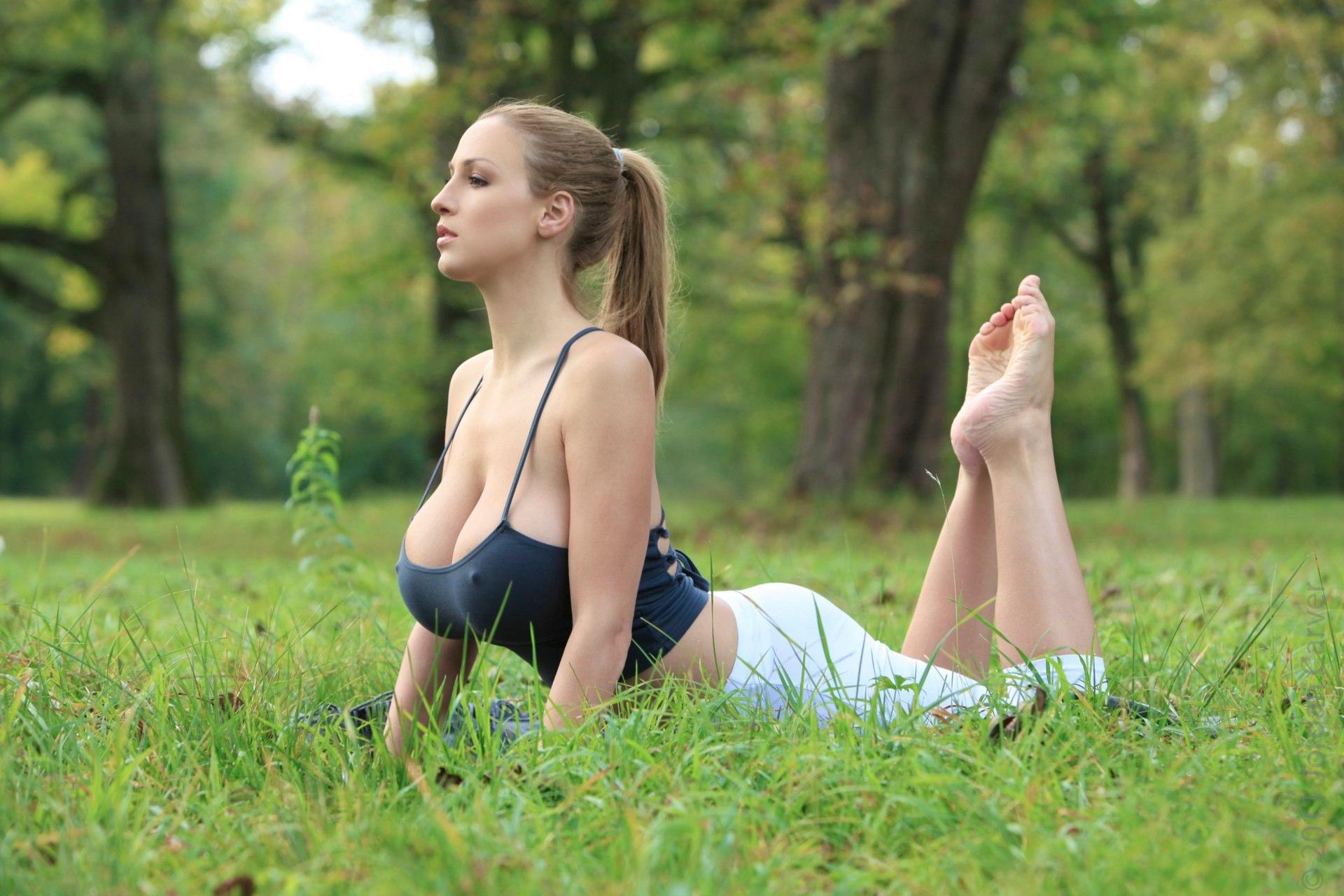 Search Yoga Big Tits