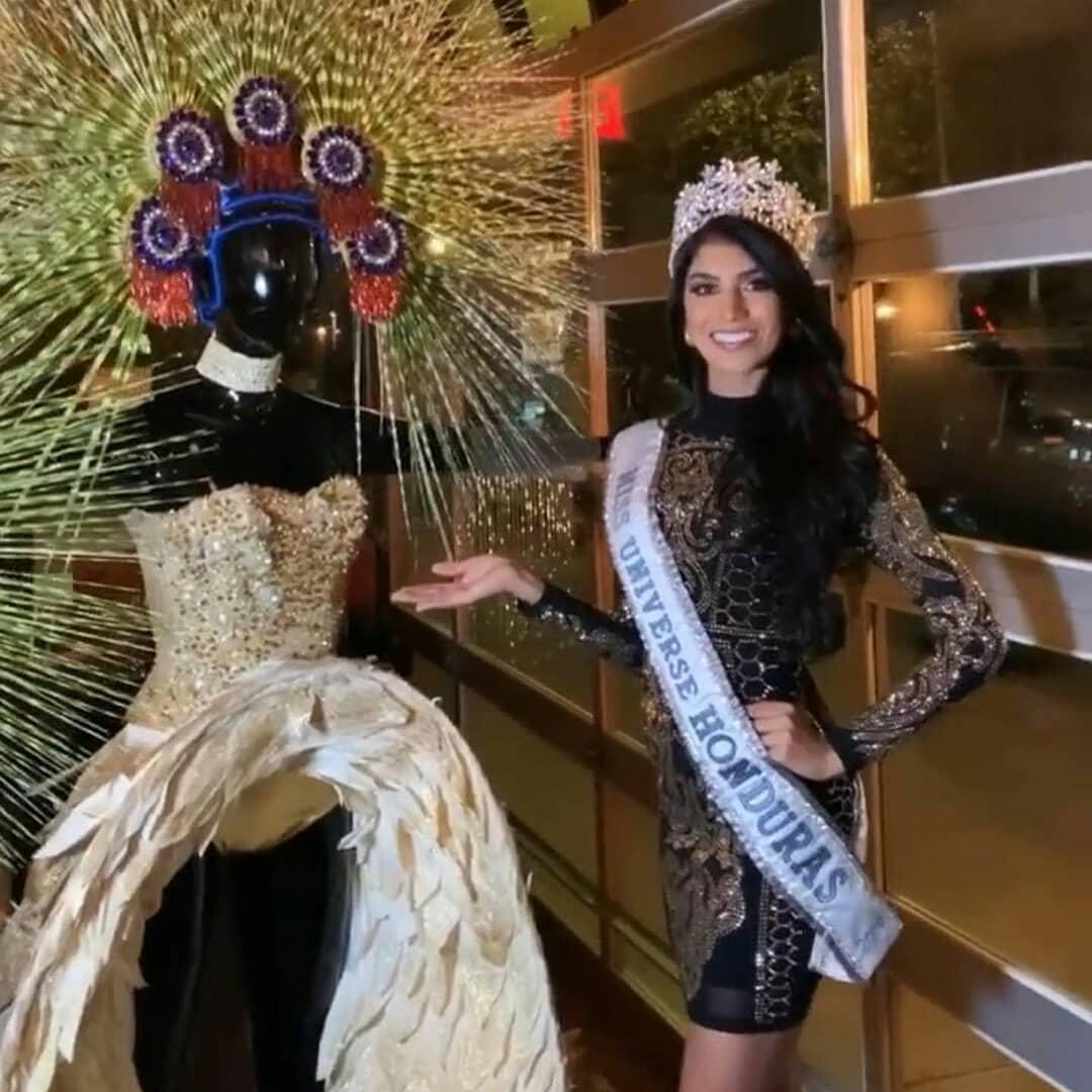 trajes tipicos de candidatas a miss universe 2019. - Página 2 Iuq5cX