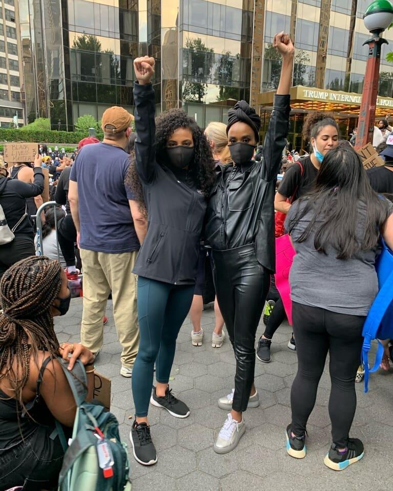 Miss Universo protesta contra el racismo IyY5VL