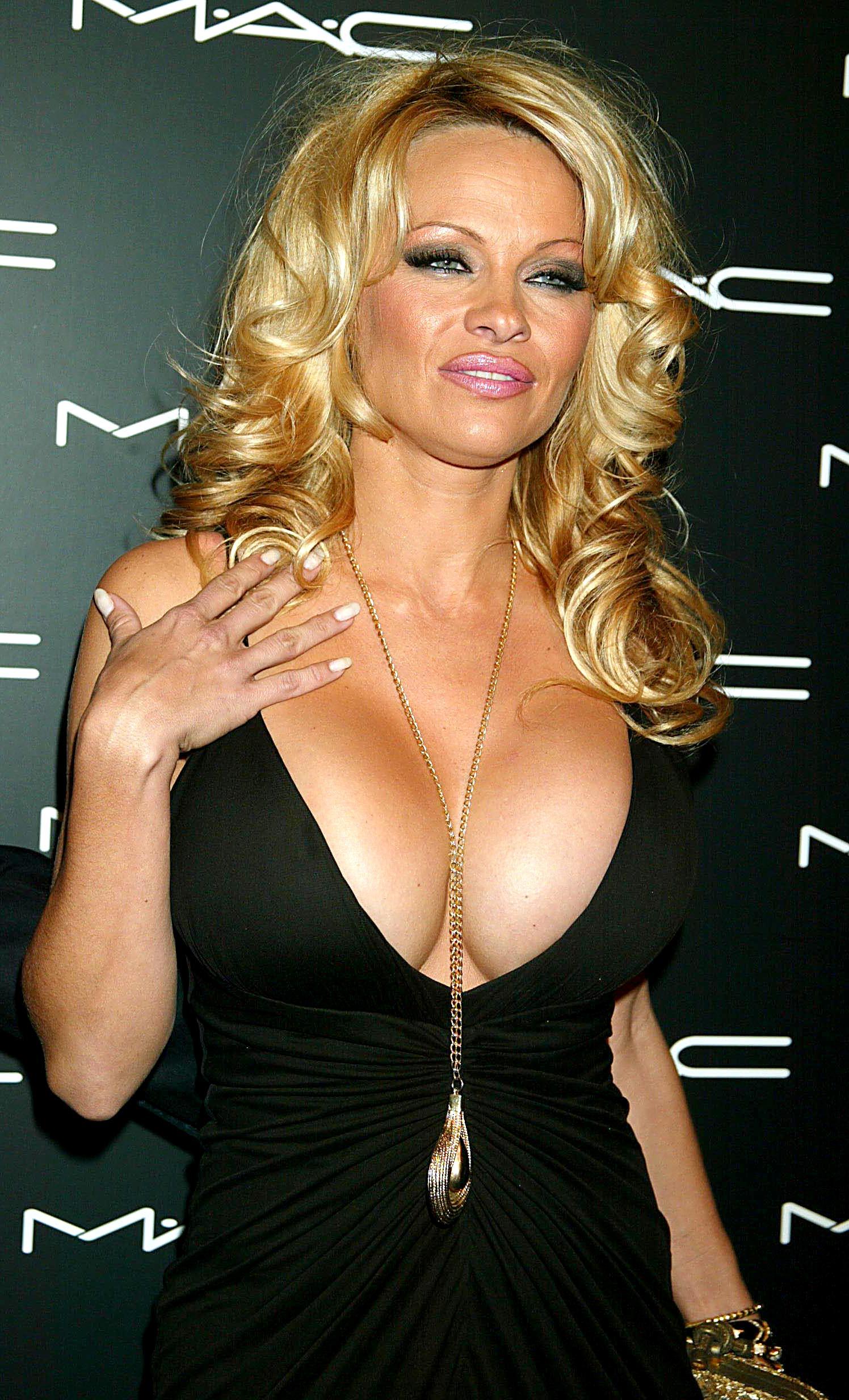 Pamela anderson fashion week boob porn hidden cams