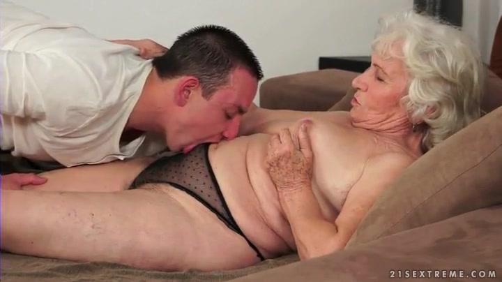 Смотреть секс старики ебут старушек целый