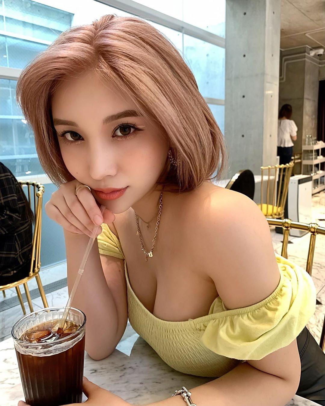 uDX2oX - IG正妹—REONA