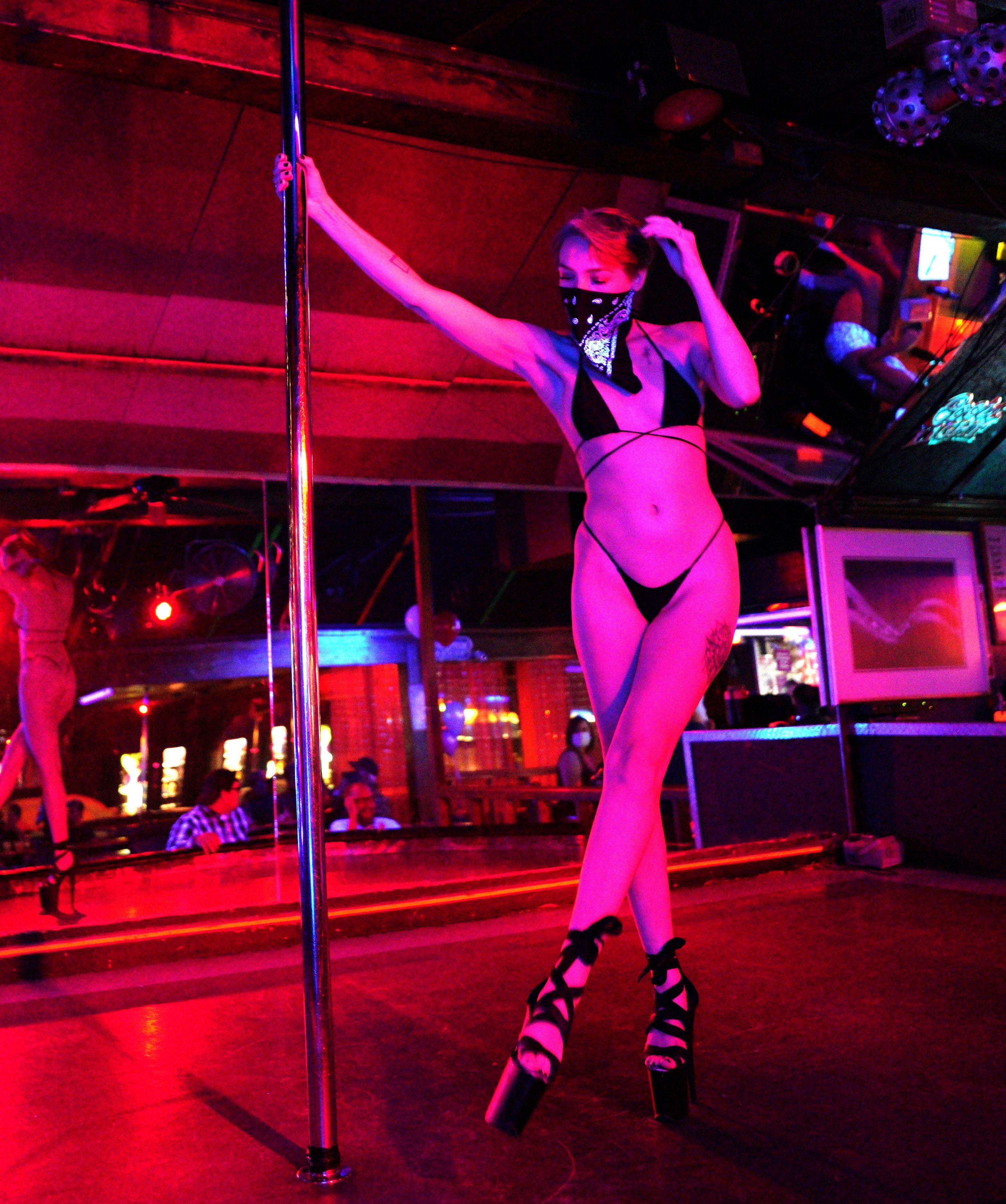 The den cheyenne wyoming strip club